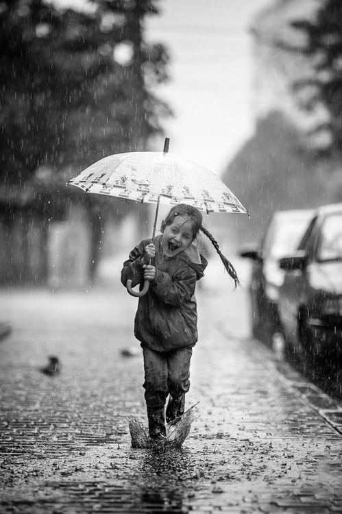 Feliz en la lluvia