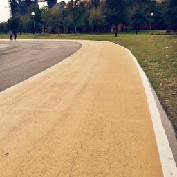 Corriendo la pista amarilla
